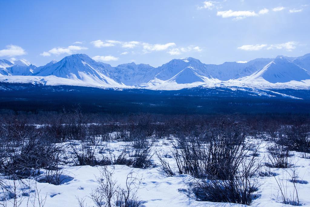 Approche de la chaînes montagneuse du Kluane