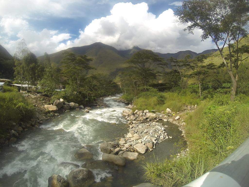 Sur la route de Santa-Teresa à Hydroelectrica