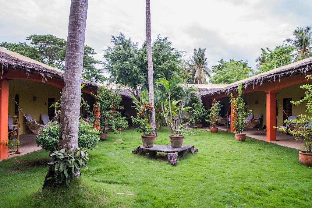 """Jardin du super hôtel """"L'Hibiscus Garden"""" à Puerto Princesa 2"""