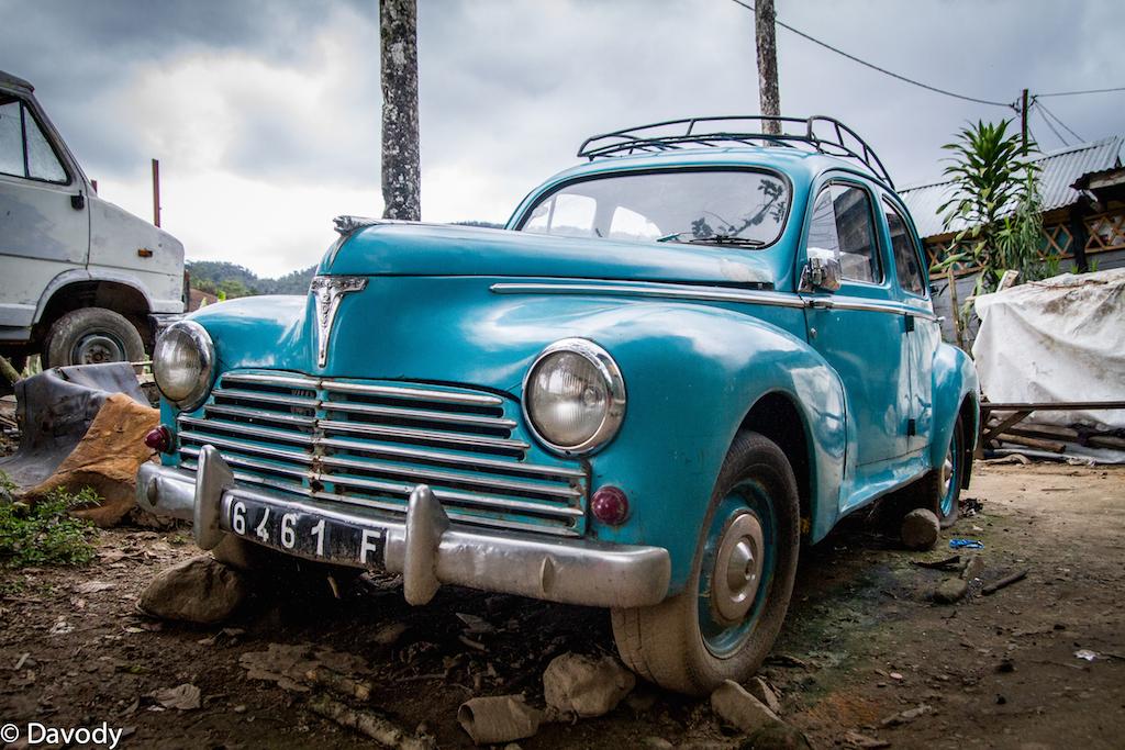 Peugeot 203, modèle 1950, toujours en état de marche ! (Ranomafana)